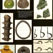 Alcuni oggetti dei corredi delle tombe provenienti dalla necropoli del Bettolino